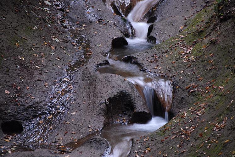 Foto mit Graufilter: Wolfsschlucht - 1 Sekunde belichtet
