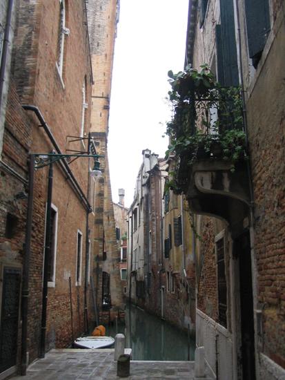 Sackgasse endet am Kanal