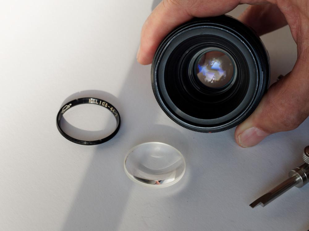 Das Objektiv und die demontierte Frontlinse